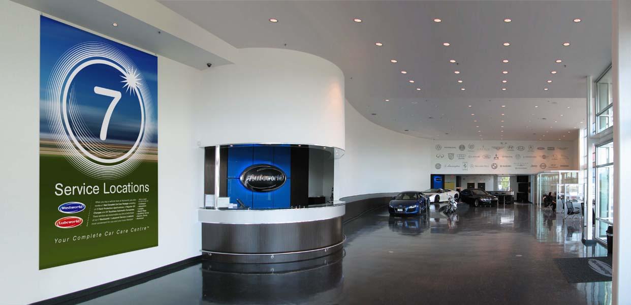 OMD-Autoworld_Interior